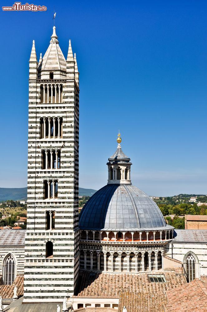 Il campanile del Duomo di Siena: eretto all'inizo ...