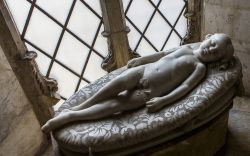 Scultura in marmo all'interno del Duomo di Siena - © photogolfer / Shutterstock.com