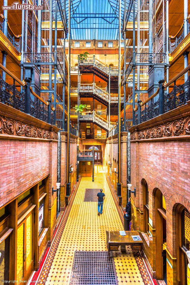 Immagine La visita al Bradbury Building di Los Angeles in California - © Sean Pavone / Shutterstock.com