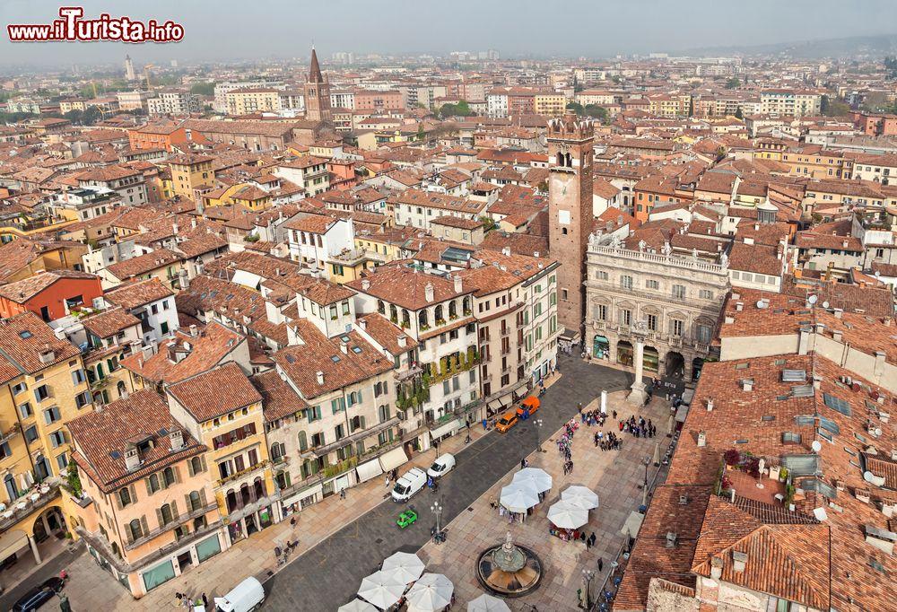 Cosa vedere e cosa visitare Piazza delle Erbe
