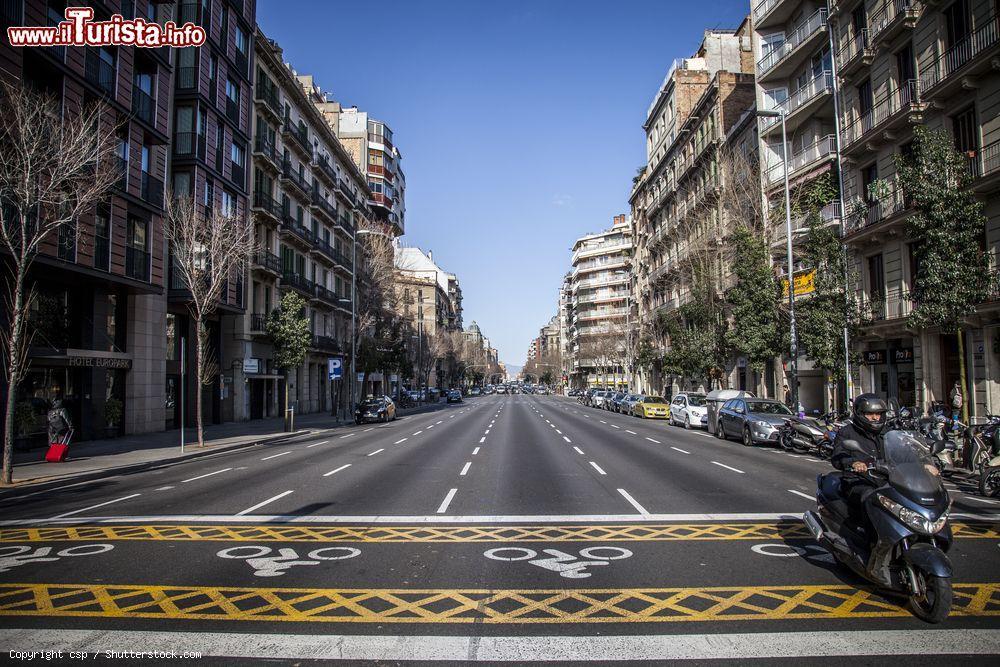 Il viale del modernismo a barcellona il passeig for Quartiere gracia barcellona