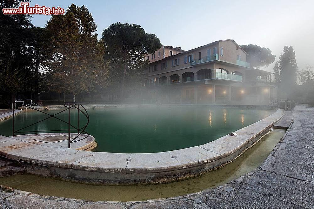 Stabilimento albergo posta marcucci alle terme foto bagno vignoni stabilimento hotel posta - Bagno vignoni hotel posta marcucci ...