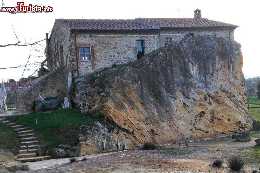 Cosa vedere e cosa visitare Fonte termale dell\'Acqua Borra