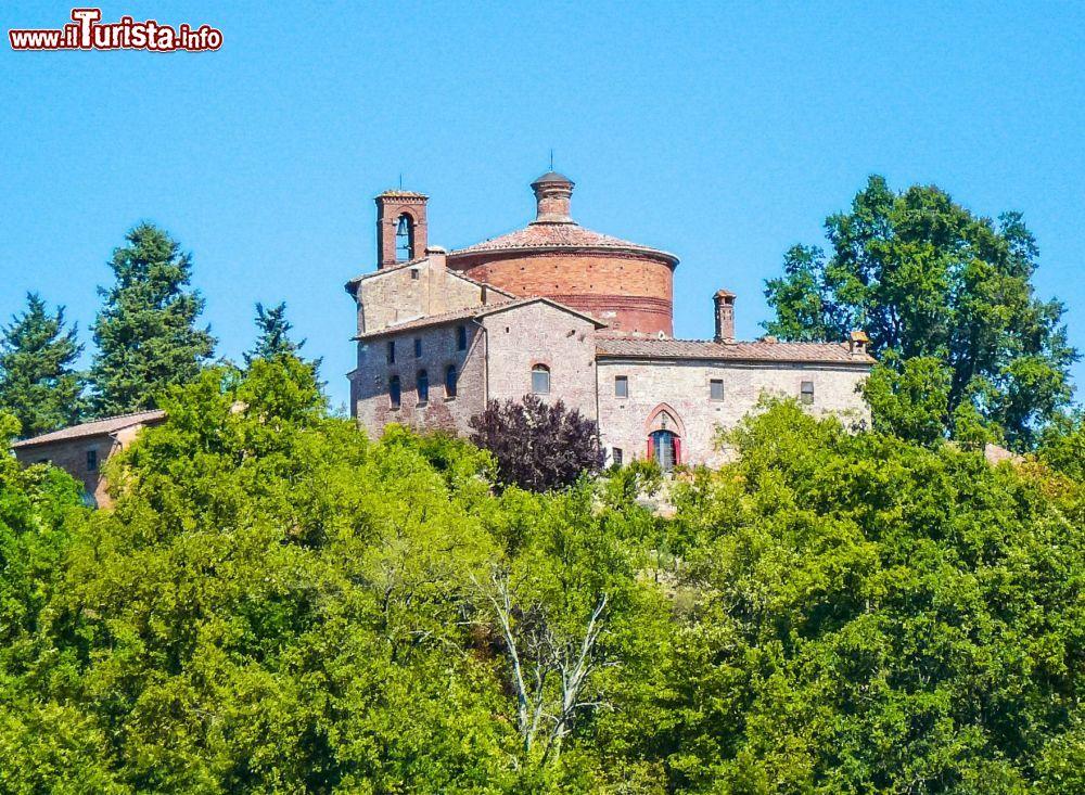 Cosa vedere e cosa visitare Eremo di Montesiepi