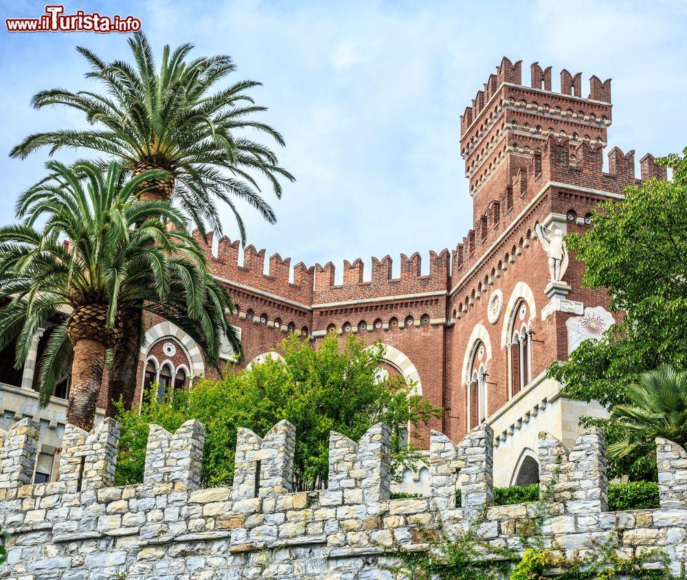 Cosa vedere e cosa visitare Castello d\'Albertis - Museo delle Culture del Mondo