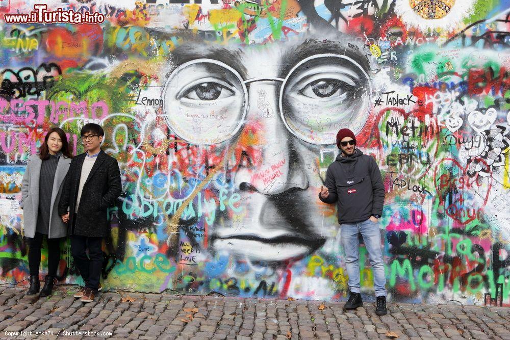 Cosa vedere e cosa visitare Muro di Lennon