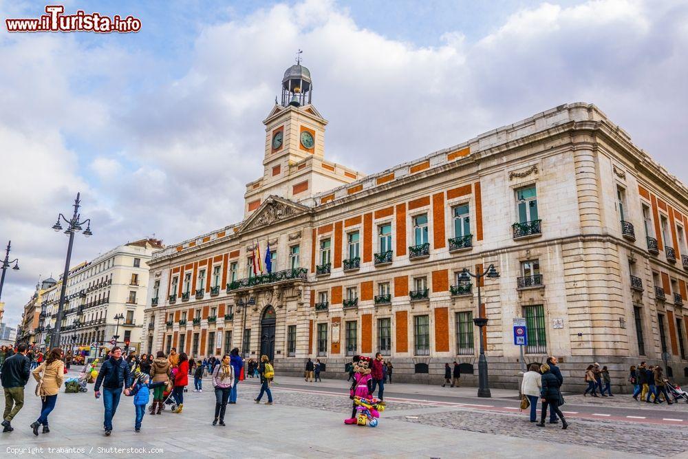 La real casa de correos il pi foto madrid puerta for Edificio puerta real madrid