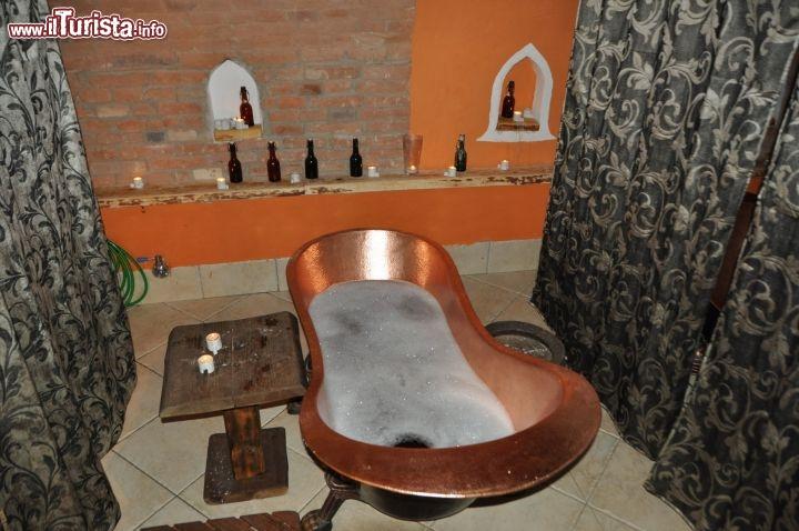 Il bagno di birra alle terme della birra di roznov pod radhostern guarda tutte le foto - Bagno birra praga ...