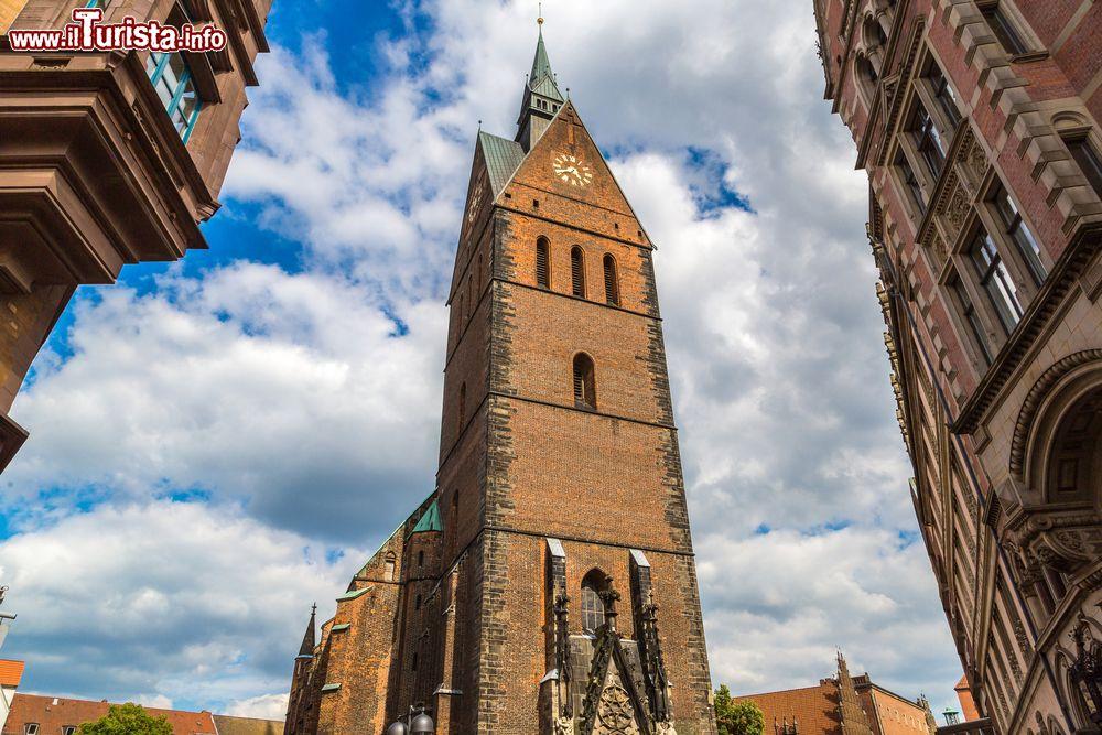 Cosa vedere e cosa visitare Chiesa del Mercato di Saint Georgii e Jacobi