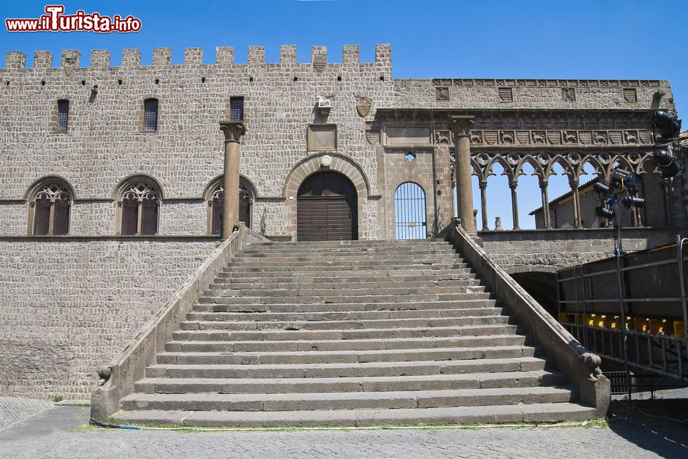 Cosa vedere e cosa visitare Palazzo dei Papi
