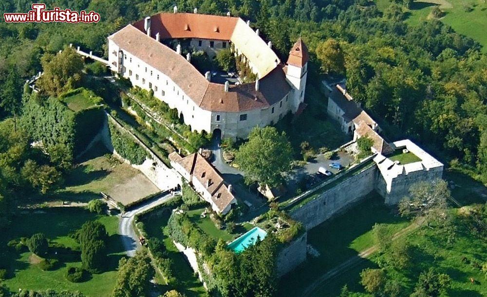 Cosa vedere e cosa visitare Castello (Burg)