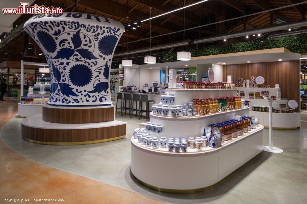 Il negozio Amarena Fabbri a Fico Eataly World, ... | Foto ...