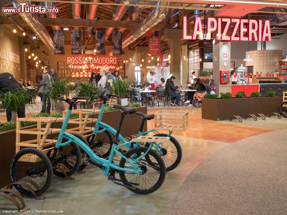 Le Biciclette A Tre Ruote Bianchi Di Fico Eataly Foto Bologna