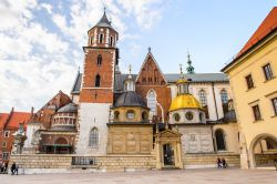 KRAKOW, POLAND - APR 29, 2015: Part of the Wawel Royal Castle in Krakow, Poland. The castle was built at the behest of Casimir III the Great - © Anton_Ivanov / Shutterstock.com