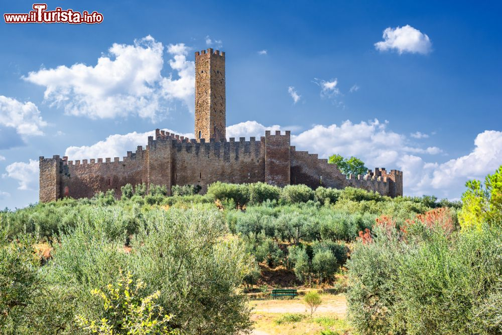 Cosa vedere e cosa visitare Castello di Montecchio Vesponi