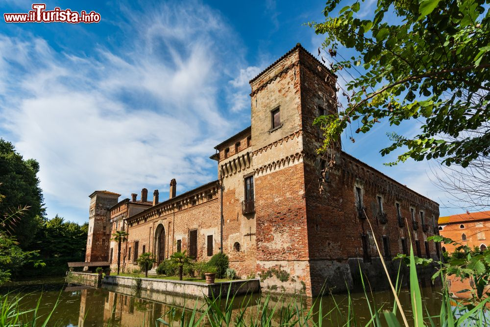 Cosa vedere e cosa visitare Castello di Padernello