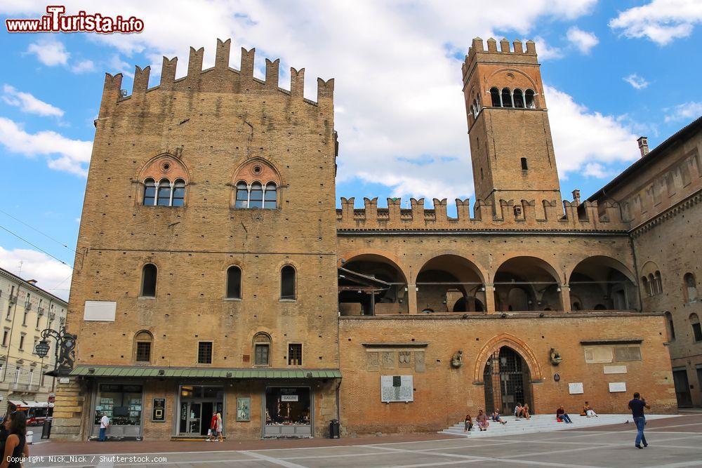 Cosa vedere e cosa visitare Palazzo Re Enzo