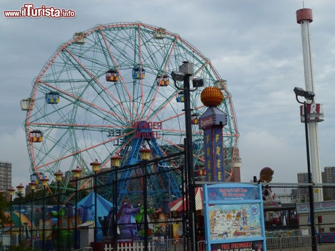 Wonder Wheel la ruota panoramica