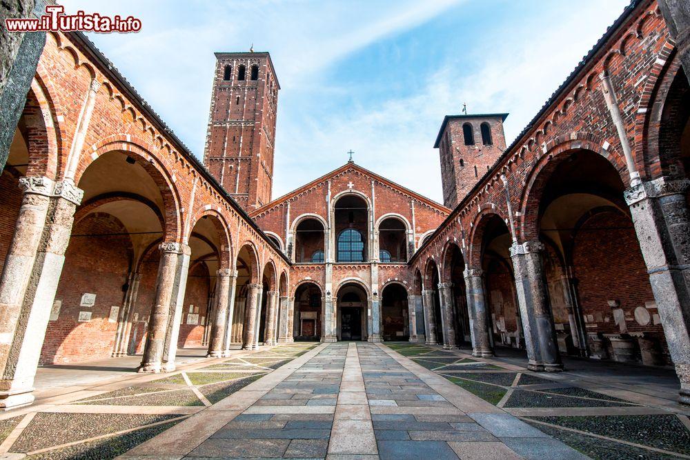 Cosa vedere e cosa visitare Basilica di Sant\'Ambrogio