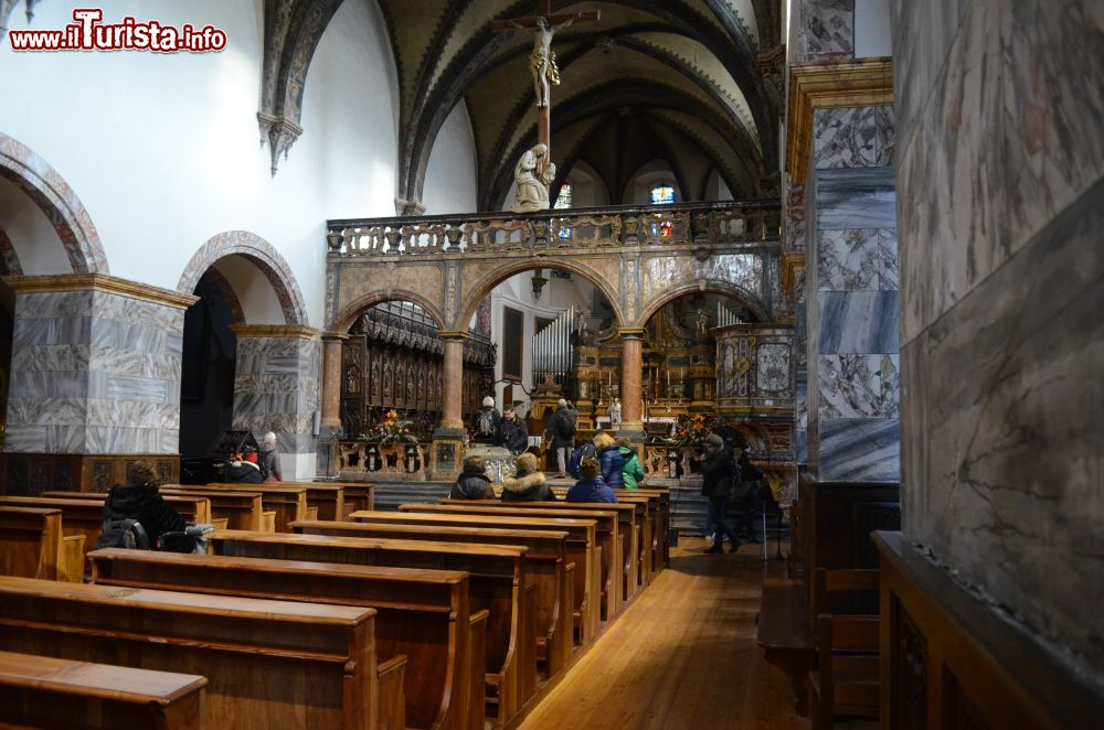 Cosa vedere e cosa visitare Collegiata dei Santi Pietro e Orso