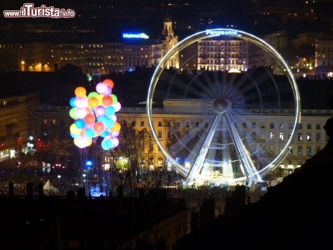 Fête des Lumières 2011: Place Bellecour vista da Saint-Just‎