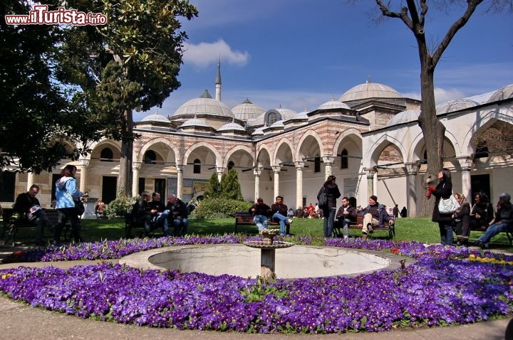 Immagine All'interno del cortile del Topkapi