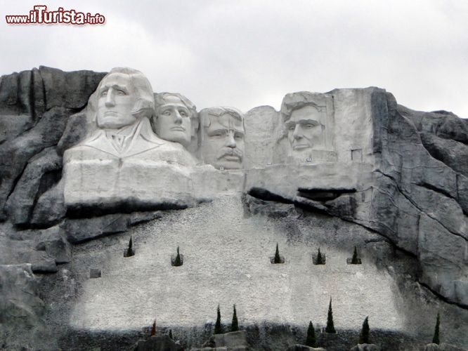 Immagine Il Monte Rushmore a Window of the World