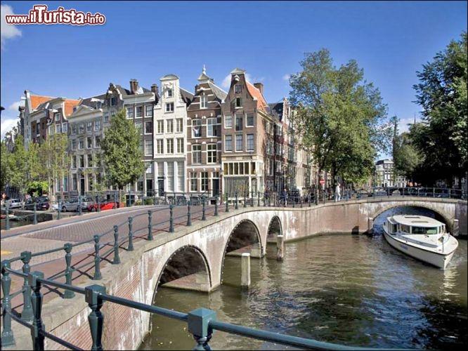 Ponte Sui Canali Di Amsterdam Foto Amsterdam Centrum