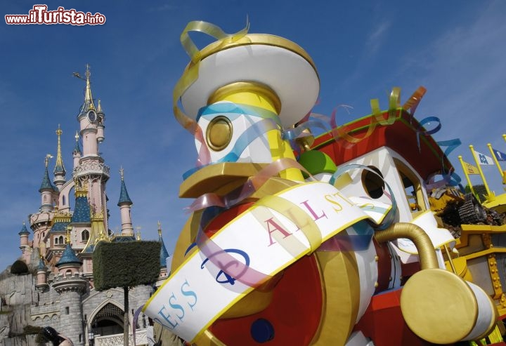 Il Treno dei Personaggi Disney - © Disney. All rights reserved