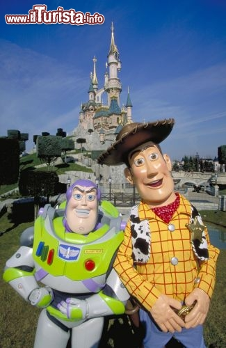 Due grandi amici Woody e Buzz ad Eurodisney - © Disney. All rights reserved