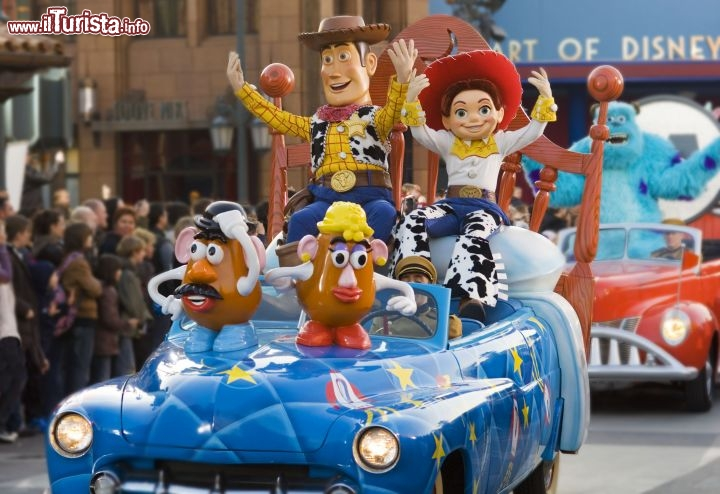 La Parata Stars and Cars nel Parco Walt Disney Studios - © Disney. All rights reserved