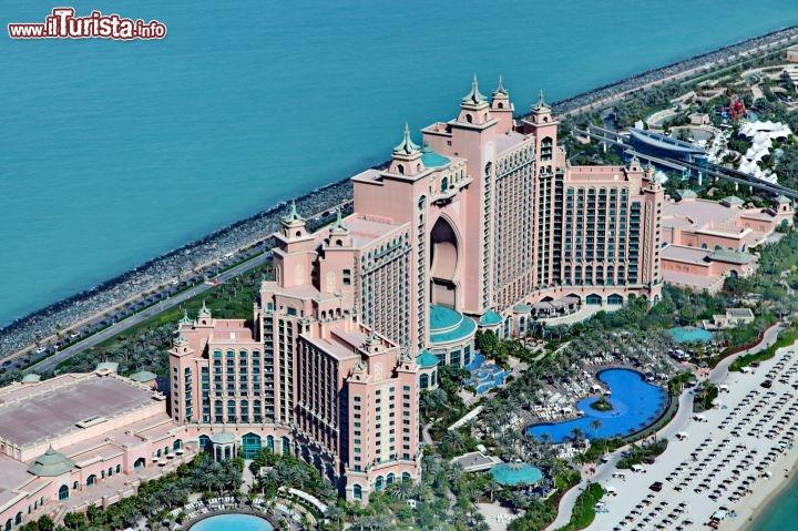 Veduta aerea dell 39 hotel atlantis guarda tutte le foto for L hotel della cabina islanda