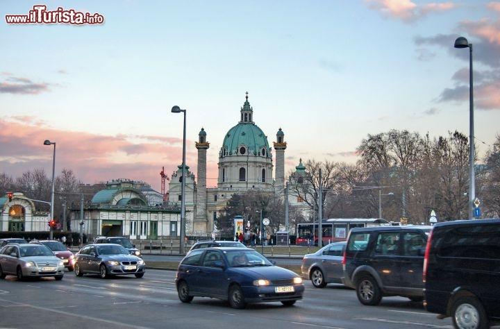 Cosa vedere e cosa visitare Karlsplatz