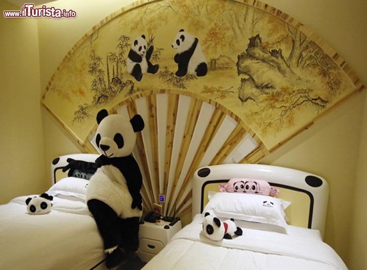 Una camera dell 39 hotel a tema panda provincia di sichuan - Alberghi con camere a tema ...