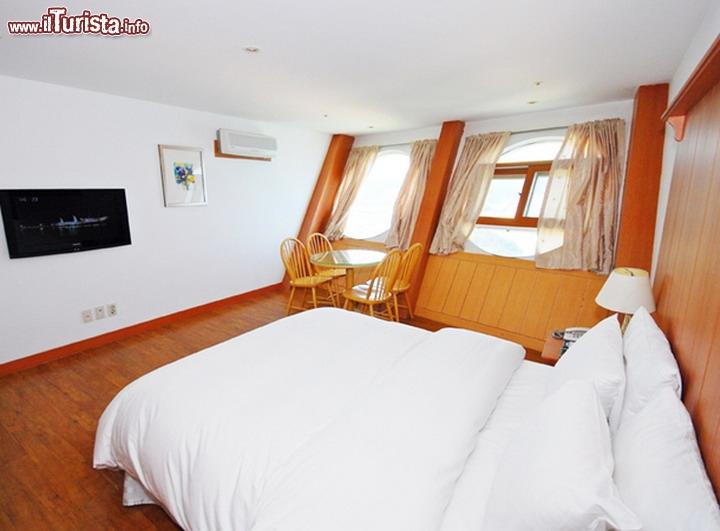 La stanza dell 39 albergo sun cruise nella corea del sud il for Costo medio dell aggiunta della suite