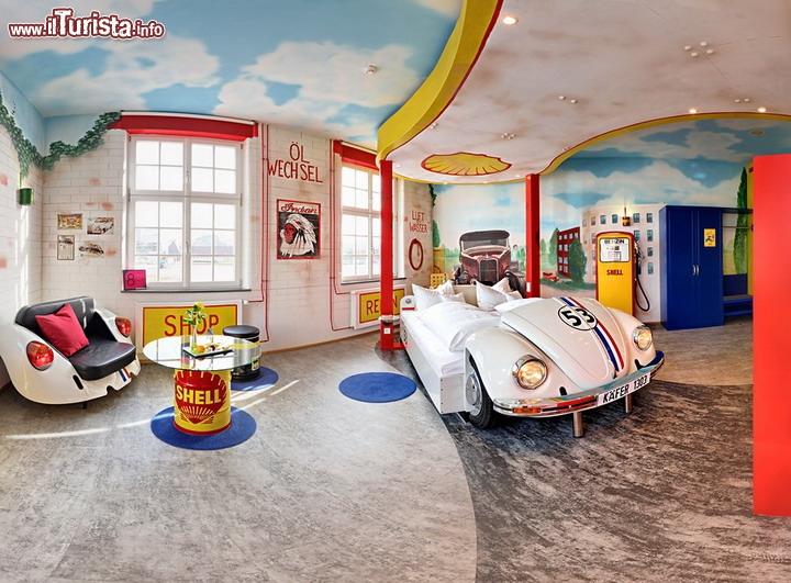 V8 hotel a stoccarda la citt dell 39 autombile in germania - Hotel con camere a tema milano ...