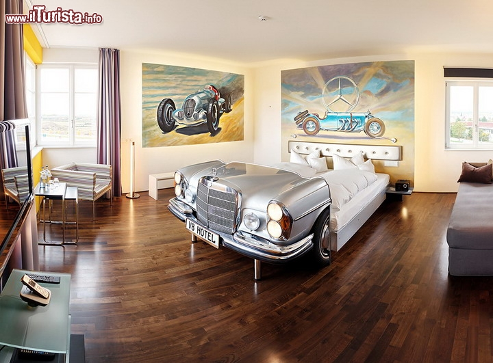 V8 hotel la tower suite ebene a tema mercedes l 39 hotel a for Hotels by mercedes benz superdome