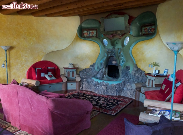 Interno hotel earthship phoenix new mexico gli for Arredamenti roma sud