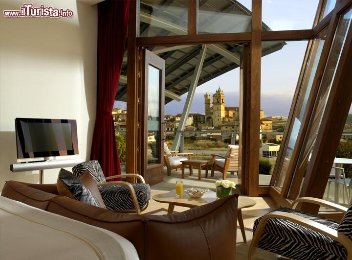 Stanza albergo marques de riscal elciego spagna for Stanza sopra le idee di design del garage