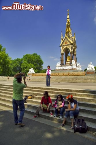 Immagine Prince Albert Memorial ai kensington Gardens London