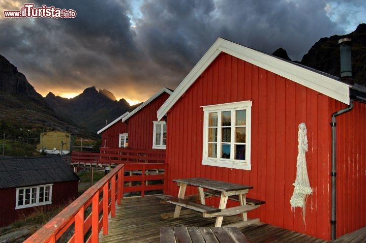 Rorbuer le palafitte in legno delle lofoten le vecchie - Case norvegesi interni ...