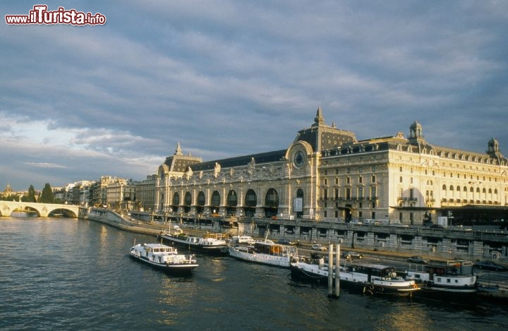 Immagine Museo d'Orsay visto dal Bateaux Mouches