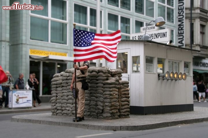 Immagine Checkpoint Charlie, Berlino