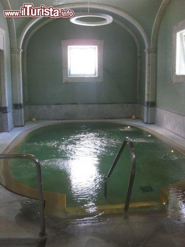 Spa bagni di pisa la piscina interna a san giuliano foto pisa - Piscina san giuliano terme orari ...