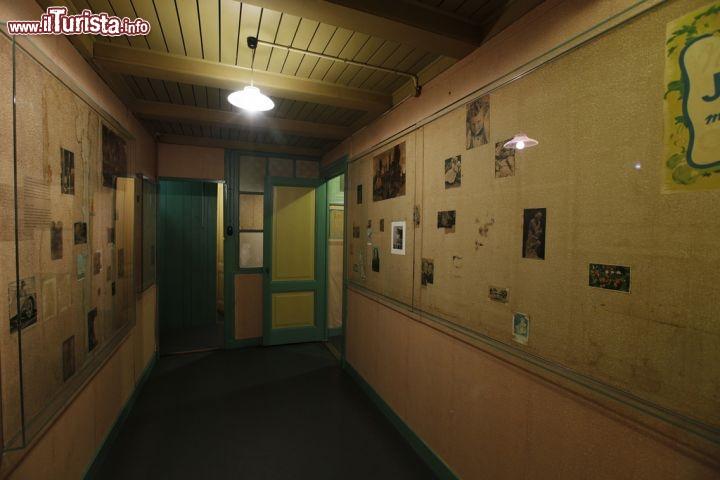 Un corridoio all 39 interno della casa di anna foto amsterdam casa di anna frank - Casa anna frank ...