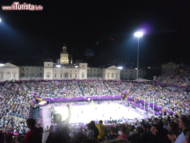 Olimpiadi Londra 2012 beach volley in notturna