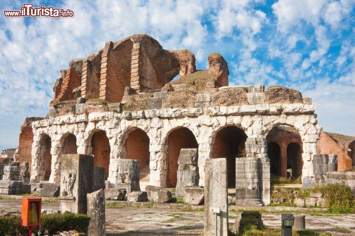 Anfiteatro di santa maria capua vetere campania si - Piscina santa maria capua vetere ...