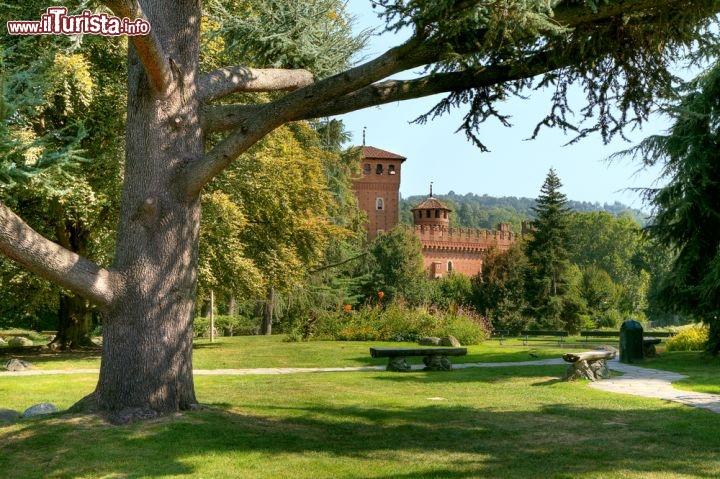 Giardino del valentino il borgo medievale di foto torino borgo medievale for Puglia garden city ny