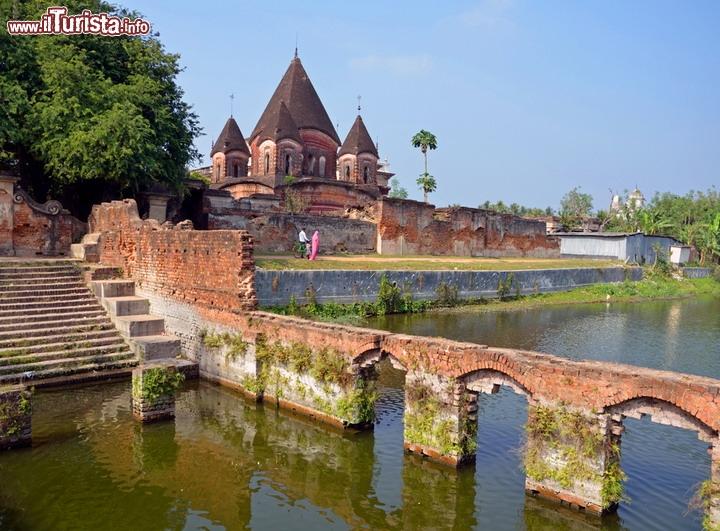 La città di Krishna Tempio_Pancharatna_Govinda_Putia_Bangladesh_124137886
