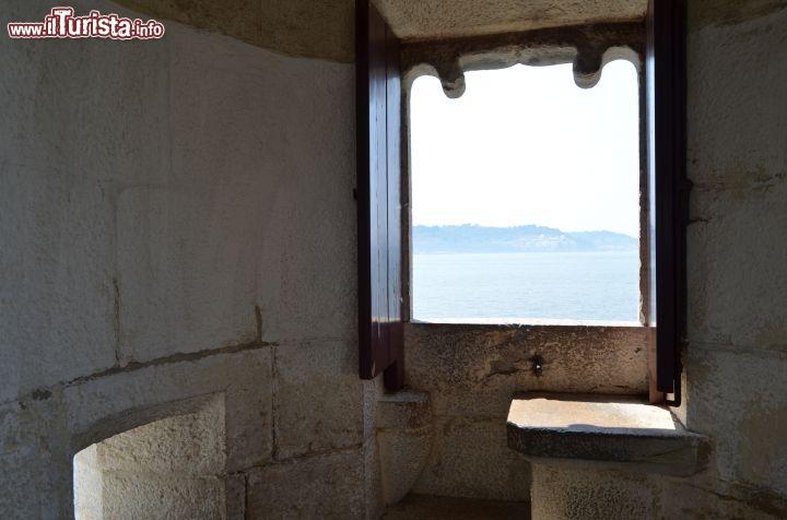 Una nicchia d 39 osservazione nella torre di foto for Costruire una torre di osservazione